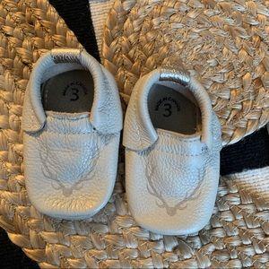Von Bon x Minimoc (now heyfolks) size 3 shoes